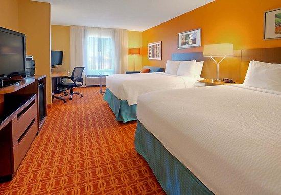 Germantown, TN: Extended Queen/Queen Guest Room