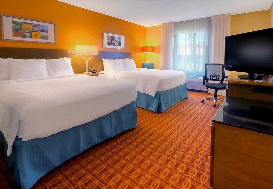 Germantown, TN: Queen/Queen Guest Room