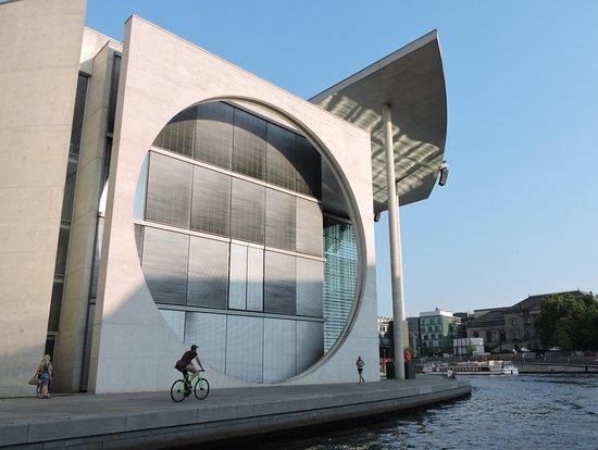Arquitectura moderna billede af berlin city tour city for Arquitectura moderna
