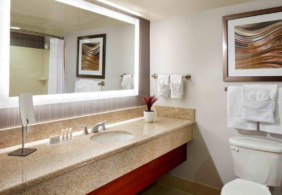 Vallejo, CA: Guest Bathroom - Vanity