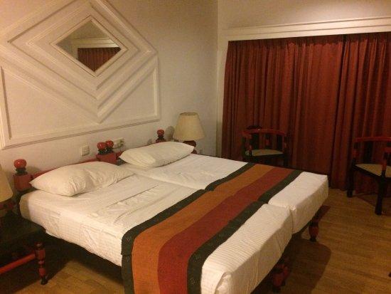 Hotel Hilltop : photo0.jpg