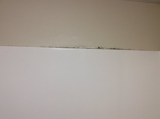 Republic, MO: Peeling paint and mildew/mold