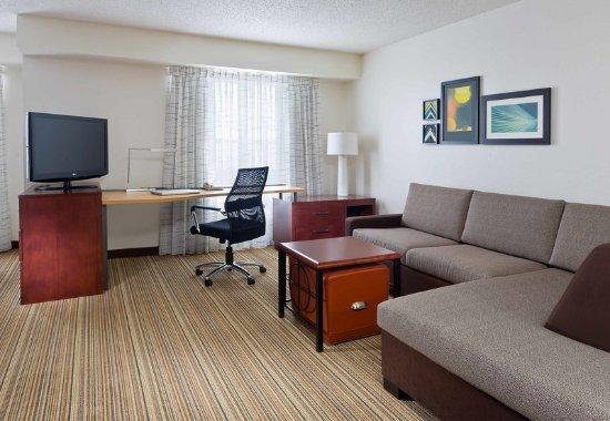 Poland, Огайо: Studio Suite – Living Area