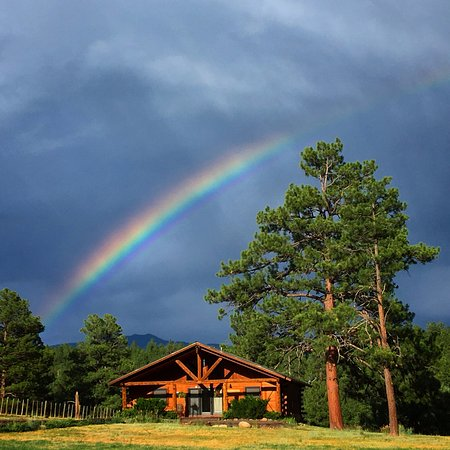Cabins at Hartland Ranch: Rainbow over Trails End!