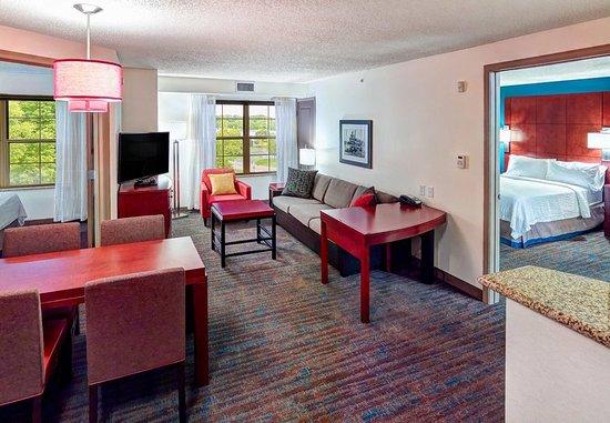Πλίμουθ, Μινεσότα: Two-Bedroom Suite