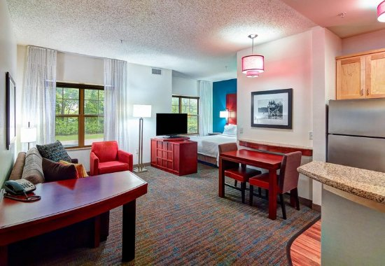 Plymouth, MN: Studio Suite