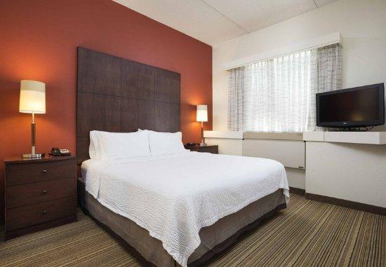 Edina, MN: Two-Bedroom Suite - King Bedroom