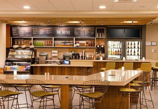 Yonkers, Nova York: Bistro Bar - Seating Area