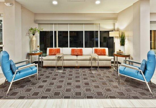 Dothan, AL: Lobby Lounge