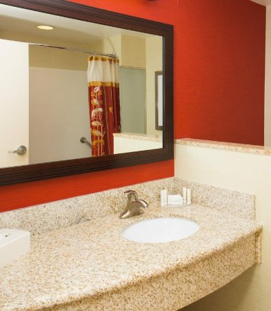 Warner Robins, GA: Guest Bathroom