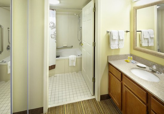 State College, PA: Whirlpool Suite Bathroom