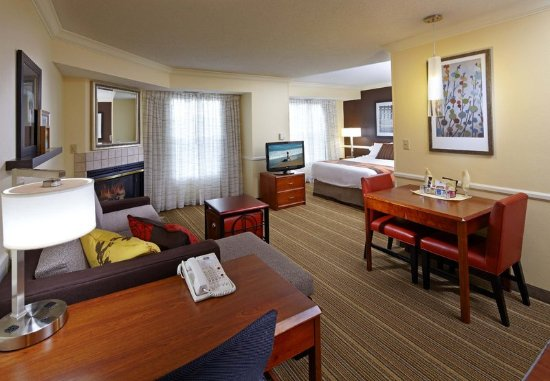 State College, PA: Whirlpool Suite