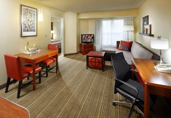 State College, PA: One-Bedroom Suite