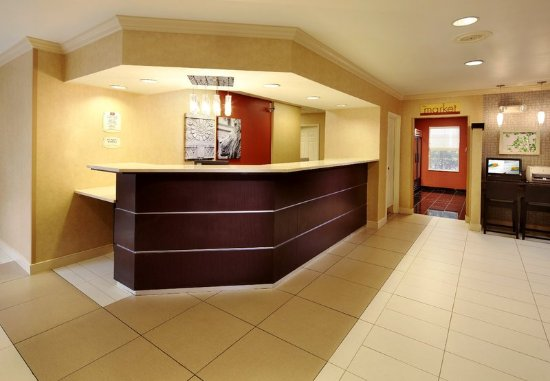 State College, PA: Front Desk
