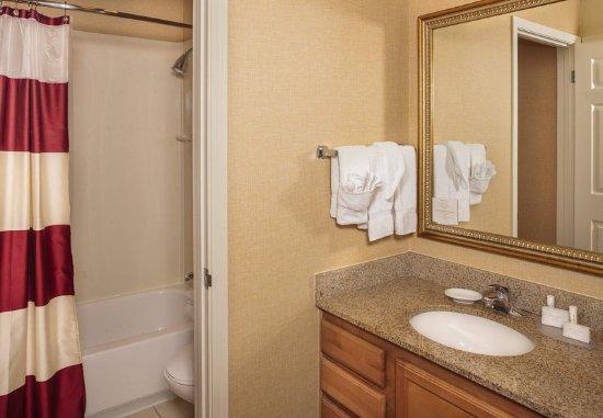 Campbell, CA: Guest Bathroom