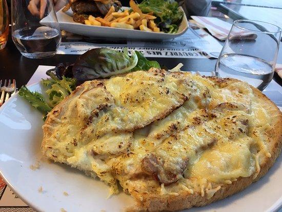 Saint-Flour, France: Tartine Cantalienne