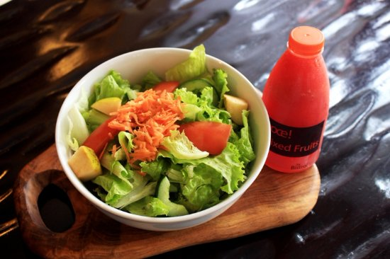 cocok untuk yg lagi diet , pilihan salad lezat dan sesuai selera, bersih dan nyaman