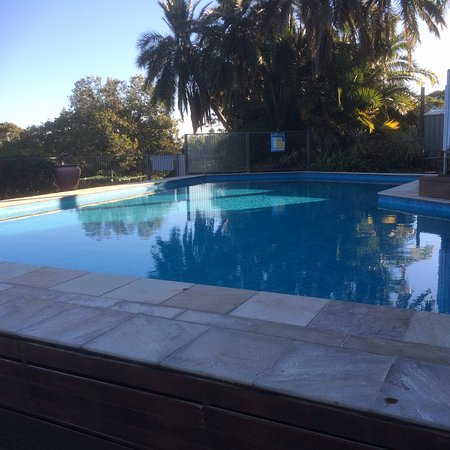 Montville Holiday Apartments: The Pool
