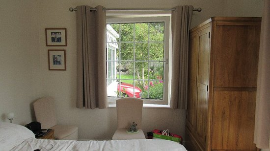 Gwennaul Bed & Breakfast: Attractive room.