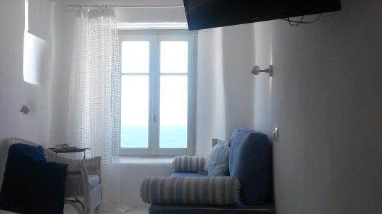 Mykonos View Hotel: uitzicht op zee vanaf bed