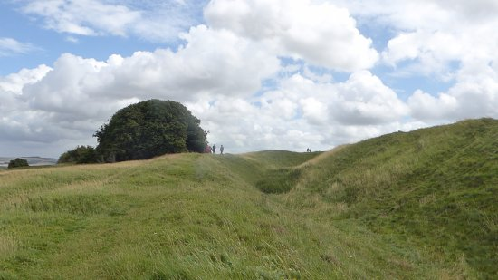 Broad Hinton, UK: The hill forts defences