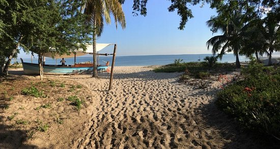 Benguerra Island, Mozambique: dawn bar