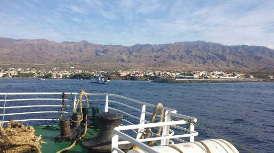 Coracao Ponta do Sol Boutique-Hotel : Met de veerboot kom je aan in Porto Novo waar een chauffeur onze gasten gaat afhalen..