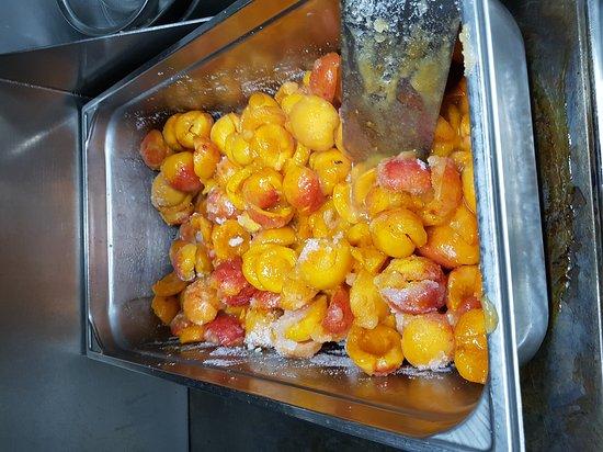 """Les abricots pochés """"en boîte"""" !"""
