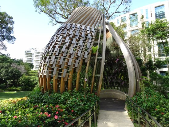 Shangri-La Hotel, Singapore: The orchid dome in the garden of the hotel