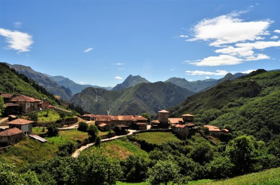 Oviedo, Spain: Fuera de este mundo