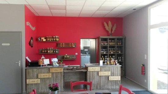 Rivarennes, France : L'espace ventes