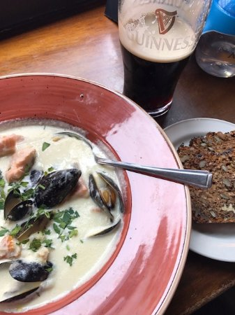 The Exchequer: Seafood chowder con Guinness
