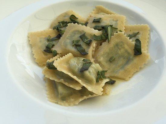 Ravioli vegani con cavolfiore ed erbette - Picture of Le Terrazze ...