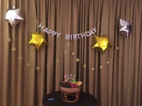 サリーラヤ ヴィラズ&スイーツ, Decoration for Happy Birthday in the room