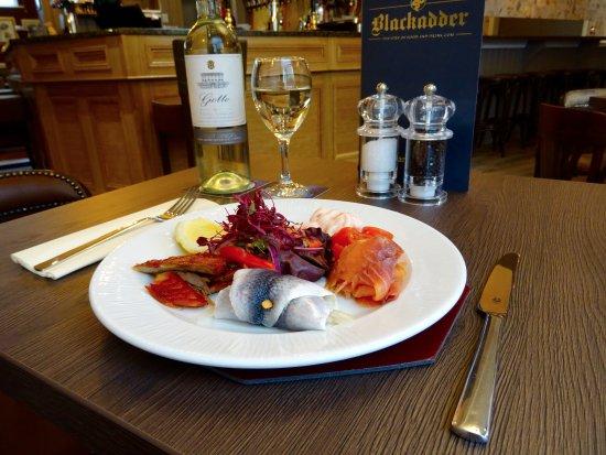 Greenlaw, UK: The Blackadder Fish Platter