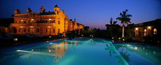 Khimsar, India: Pool side view at dusk
