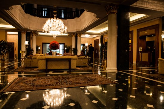 The Oberoi Grand: reception area