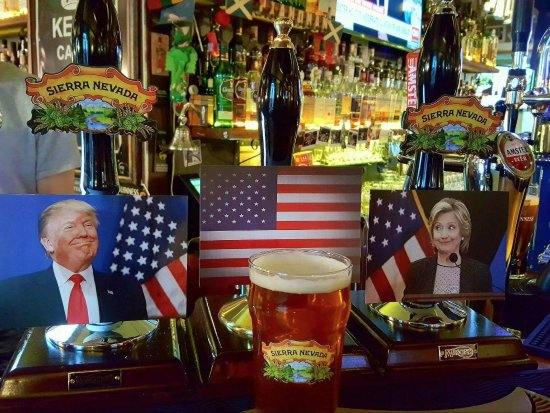 Vilnius County, ليتوانيا: Bar with political atitude