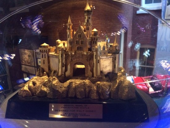 Walt Disney Family Museum : Disney Land castle!