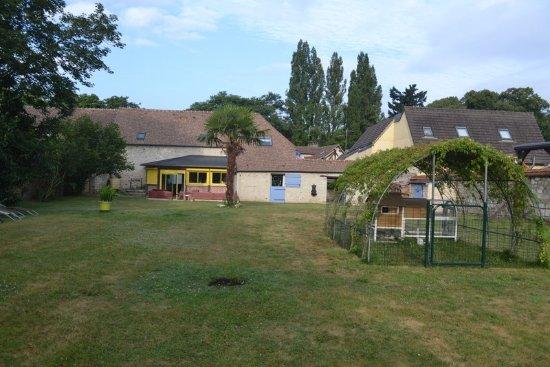 Pressagny L'Orgueilleux, France: le jardin