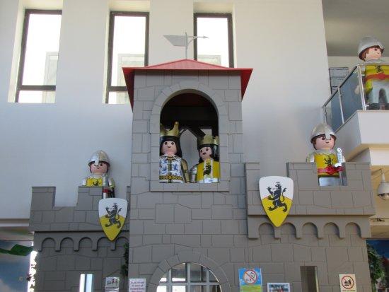 Hal Far, Malta: 室内 装飾