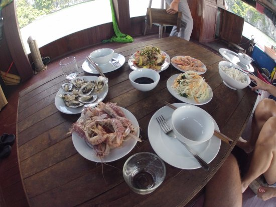 Blue Swimmer Adventures: Delicious Seafood Lunch
