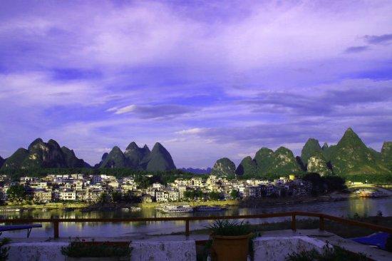 Yangshuo En Attendant Godot Hostel: 楼顶风景