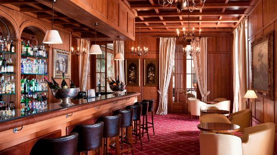 Castillo Hotel Son Vida, a Luxury Collection Hotel: Bar Armas
