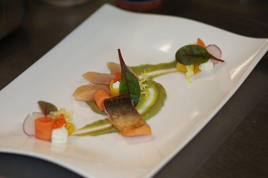 Bever, Switzerland: Wir servieren Engadiner und internationale Küche