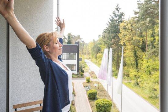 Bielefeld, Niemcy: französischer Balkon mit Blick ins Grüne