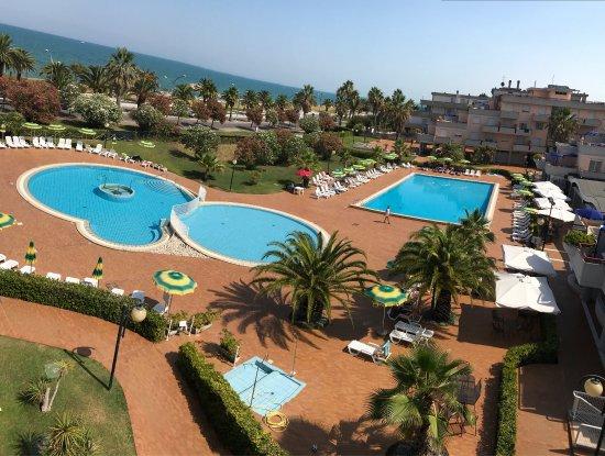 photo3.jpg - Foto di Residence Hotel Le Terrazze, Grottammare ...