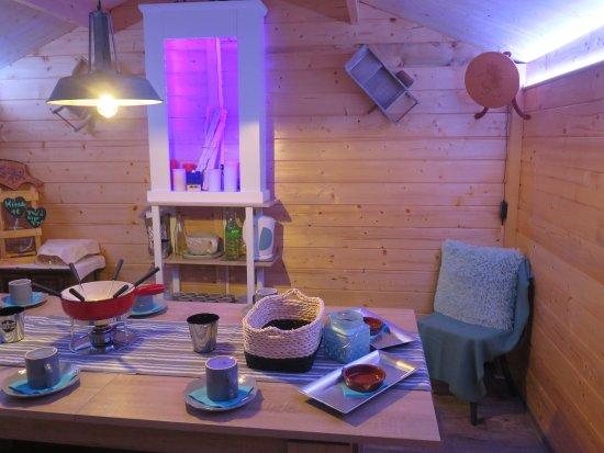 Biel, Zwitserland: Chalet à fondue