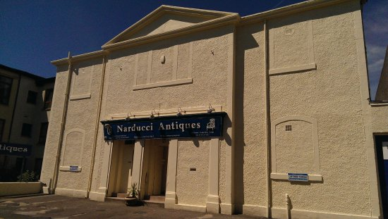 Largs, UK: Ayrshire Largest Antiques Warehouse