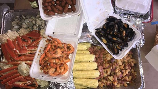 Armstrongs Seafood : Best seafood market on The Beach